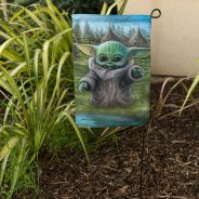 The Mandalorian – The child house and garden flags