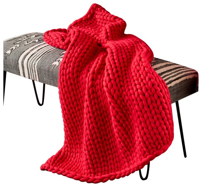 Red Cinema Chunky Knit – Throw Blanket